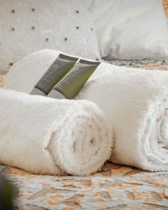 Pilton Manor Boutique Glamping for the Glastonbury Festival, fluffy towels
