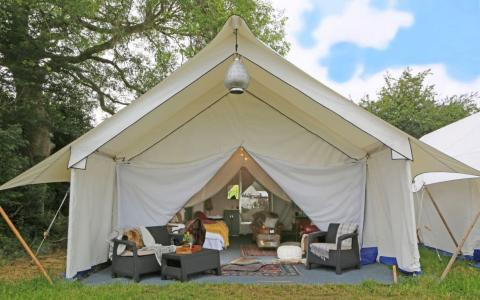 Glastonbury Festival glamping in Pilton, Safari En-Suite Tent